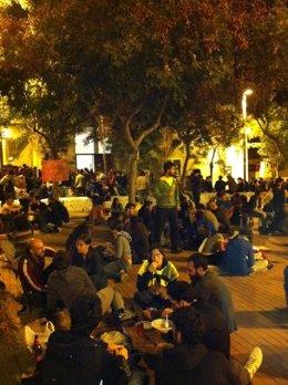 'Indignados' Okupan Un Edificio De Barcelona El 15-O