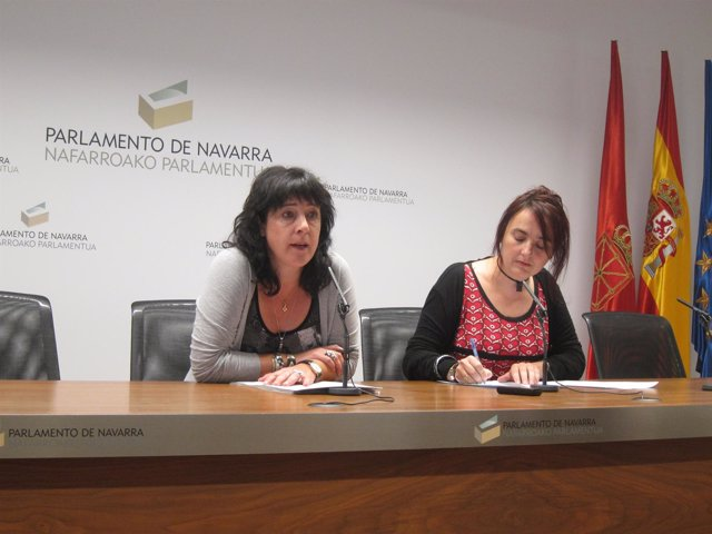 Asun Fernández De Garaialde Y Nekane Pérez, Parlamentaris De Nabai.