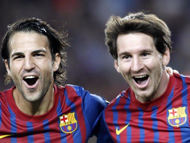 Cesc Y Messi Celebran Uno De Los Goles