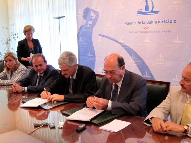 Firma De La Nueva Terminal De Contenedores De Cádiz