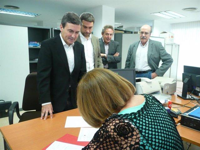 Saura Presenta Ante La Junta Electoral Provincial Las Listas Del PSRM A Congreso