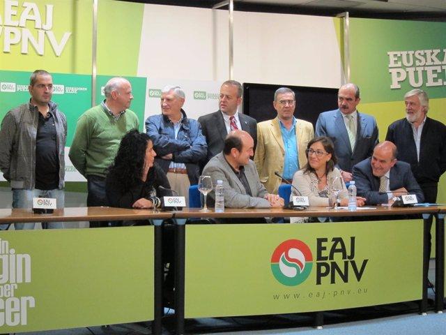 Andoni Ortuzar, Junto A Representantes Del PNV En Encartaciones