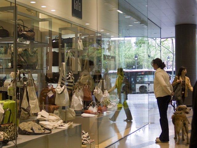 Tienda Ropa, Centro Comercial De Catalunya