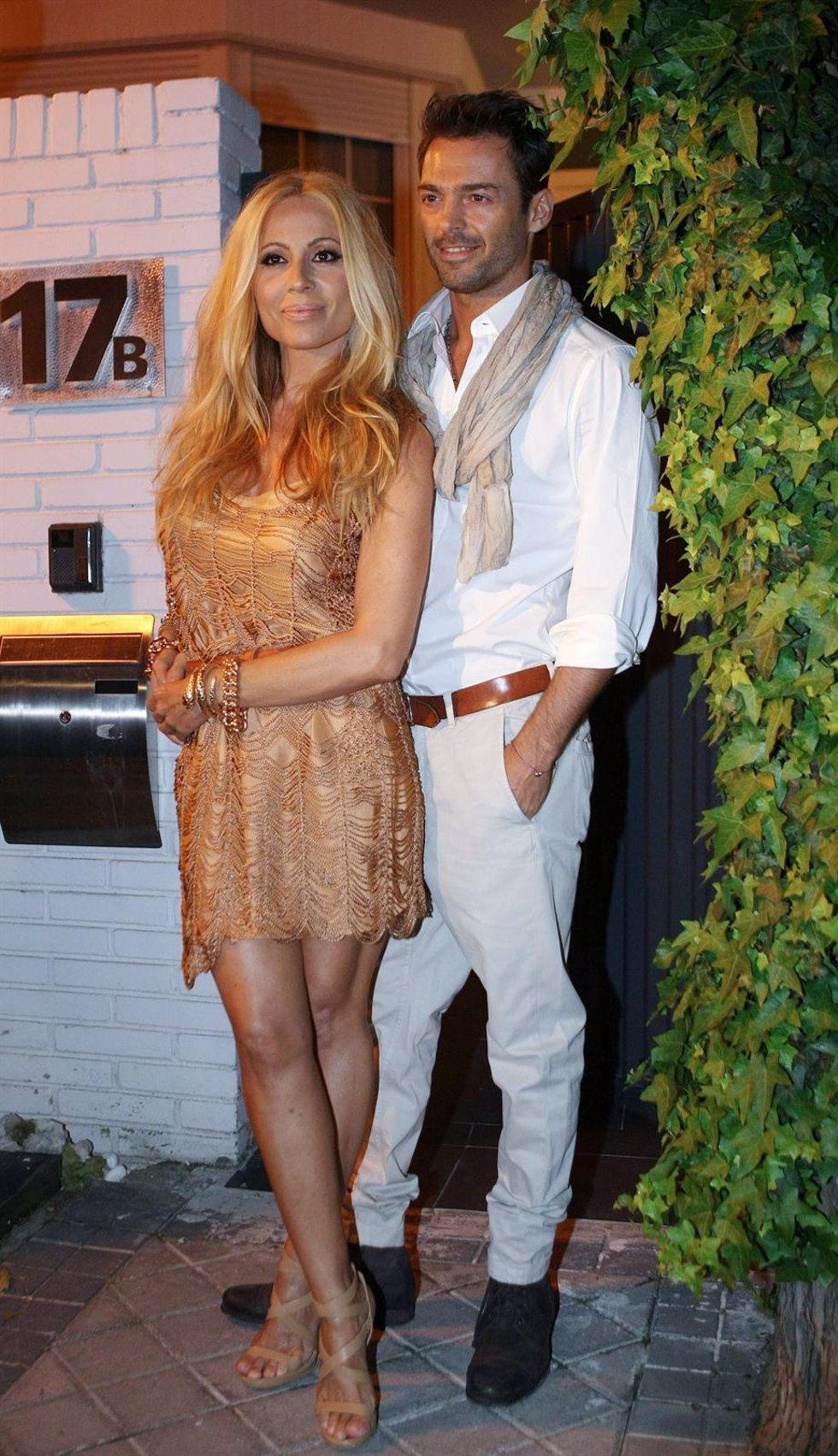 Marta Sánchez Y Hugo Castejón Celebran El 45 Cumpleaños De La Cantante