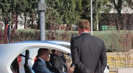 Sebastián pide al nuevo Gobierno que siga apoyando las ayudas para la adquisición de coches eléctricos