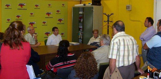 Pérez Noriega Se Reúne Con Vecinos Del Barrio La Hilera