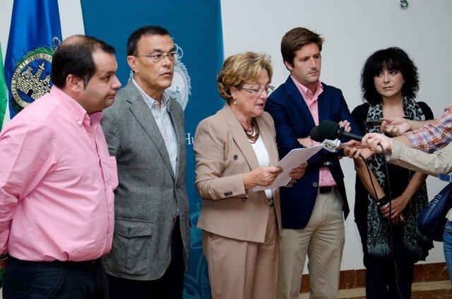 La Presidenta De La Diputación De Huelva, Petronila Guerrero.
