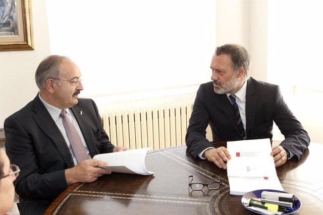 O conselleiro de Cultura e Turismo, Roberto Varela, manterá un encontro co presi