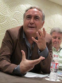 El Escritor Vicente Molina Foix