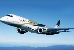 Avión Comercial De La Compañía Brasileña Embraer