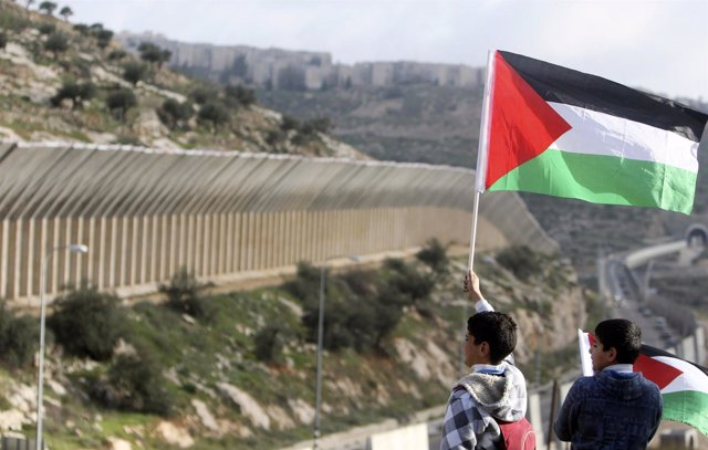 Niños Palestinos En La Franja De Cisjordania