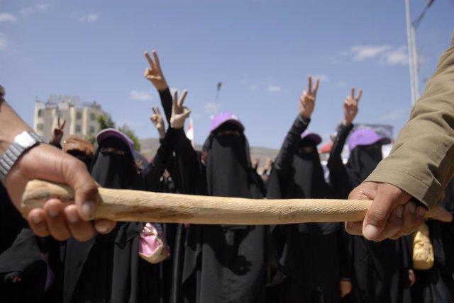 Mujeres Yemeníes Se Manifiestan En Favor De Una Intervención De La ONU