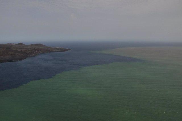 Vista Aérea De La Erupción Submarina De El Hierro