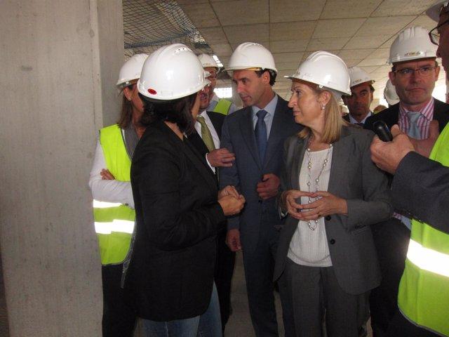 Ana Pastor, Ignacio Diego Y Sáenz De Buruaga Visitan Las Obras De Valdecilla