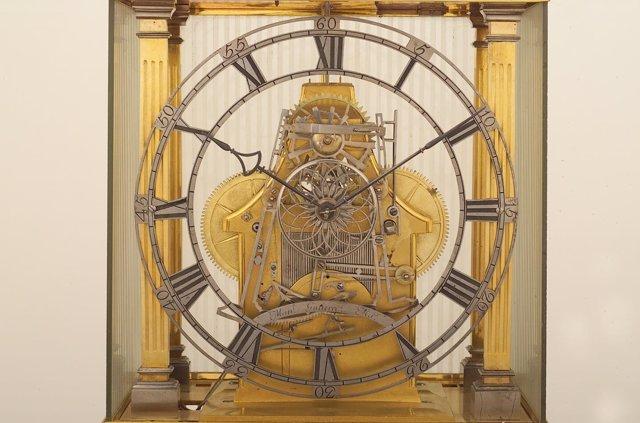 "Reloj De Sobremesa ""Esqueleto"" De Manuel Gutiérrez"