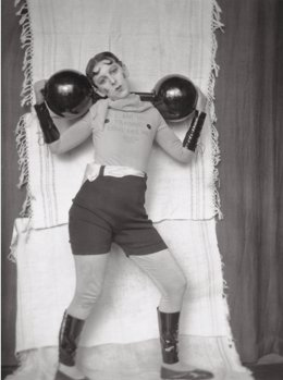 Claude Cahun, Autoportrait, Vers 1927