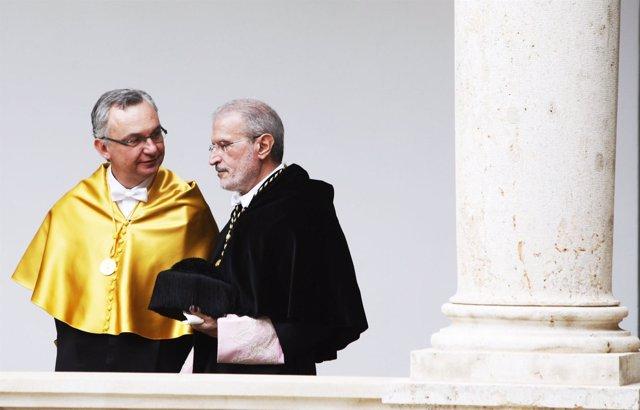 José Baselga Conversa Con El Rector Esteban Morcillo.