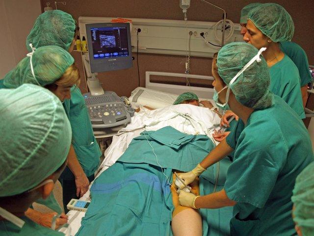 Alumnos Del Curso Sobre Anestesiología Para Cirugía Ambulatoria
