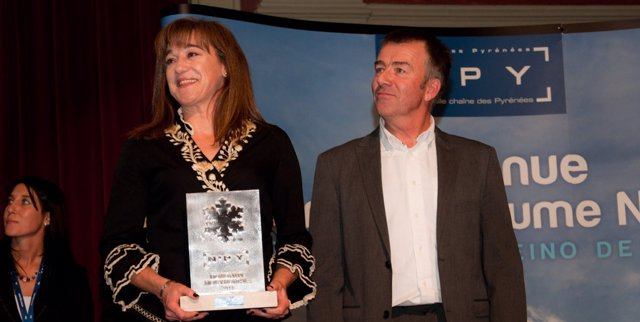 La Esquiadora Blanca Fernadez Ochoa Recoge Su Premio