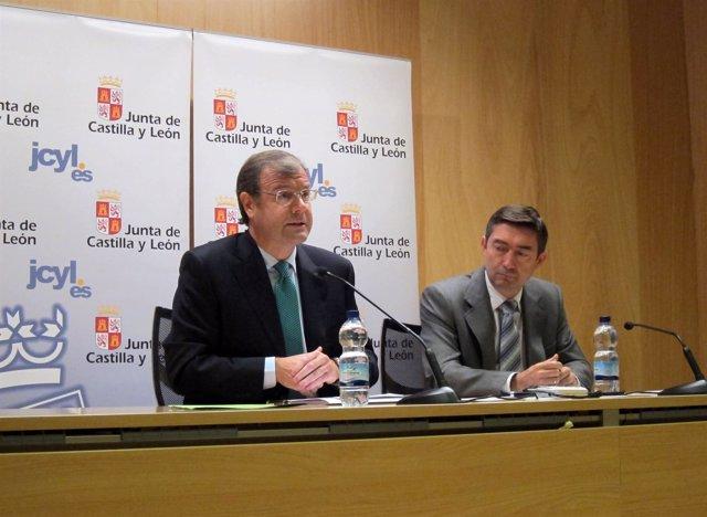 El Consejero De Fomento, Antonio Silván, Y El Director De Medio Natural