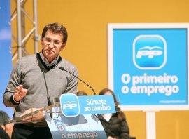 """Feijóo hará campaña esta semana en Cataluña y Andalucía, que suman 107 diputados """"claves"""" para Rajoy"""