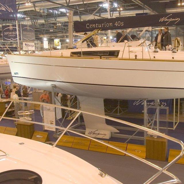 salon nautico madrid foto recurso barco blanco grande