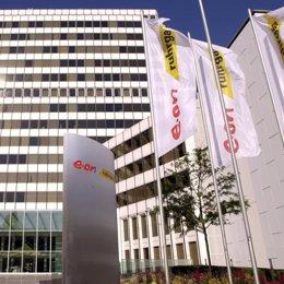 recurso fachada edificio eon banderas