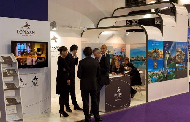 Stand Lopesan En La World Travel Market