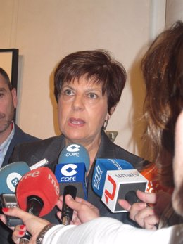 Josefina Cruz.