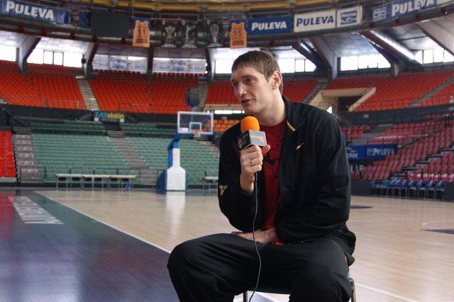 El Pívot Del Valencia Basket Lishchuk
