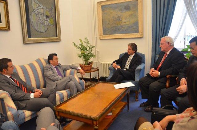 Alcalde De Santander Y Embajador De Vietnam