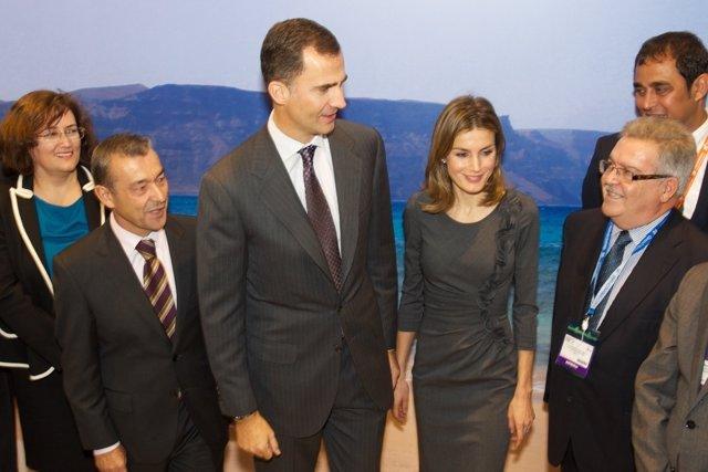 Los Príncipes De Asturias En El Stand De Canarias En La World Travel Market