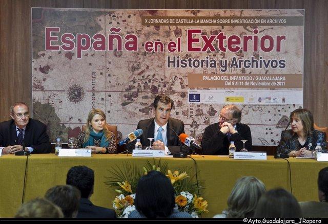 Román En La Jornada Sobre Archivos