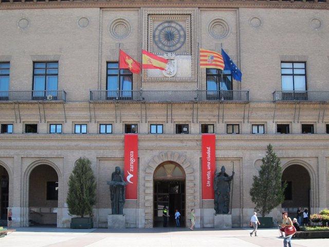 Fachada Del Ayuntamiento Zaragoza