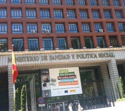 """El Ministerio de Sanidad espera que la Xunta """"rectifique"""" la exigencia de seis meses de empadronamiento para operarse"""