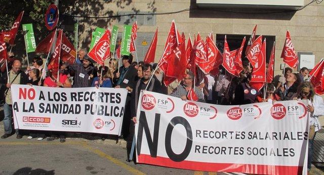 Concentración De Trabajadores Frente A La Gerencia De Atención Primaria