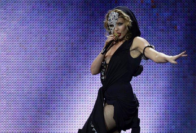 La Cantante Kylie Minogue Durante Un Concierto