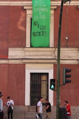Cartel De Huelga En EL Instituto De Madrid