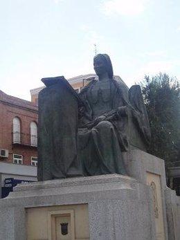 Escultura En Honor De Beatriz Galindo, 'La Latina'