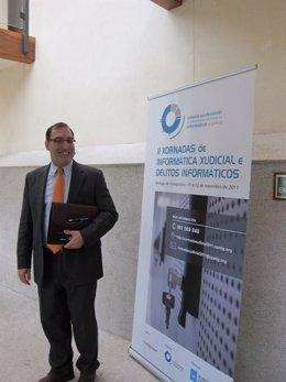 El Juez Velasco Antes De Su Intervención En Santiago De Compostela