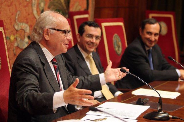 Homenaje De La UN Al Catedrático Alejandro Llano.