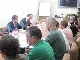 Reunión Gobierno Y Trabajadores De Papelera Del Besaya