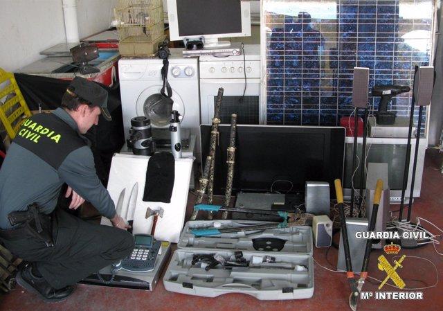 Objetos Electrónicos Y Herramientas Recuperados Por La G.Civil En Aspe Y Novelda