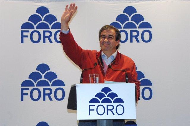 Francisco Álvarez-Cascos En Un Mitin