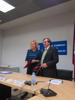 Concepción Dancausa Y Fernando Chacón Firman Un Acuerdo De Colaboración