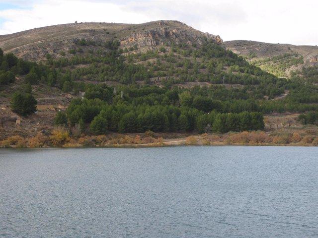 Embalse De La Cuenca Del Ebro
