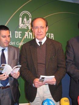 El Consejero De Medio Ambiente De La Junta, José Juan Díaz Trillo