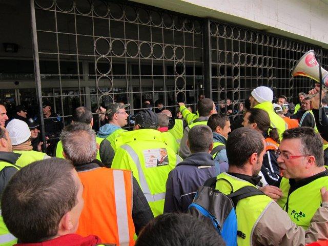 Protesta de trabajadores de FCC en Vigo.