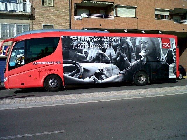 Autobús De Campaña De Carme Chacón Y El PSC