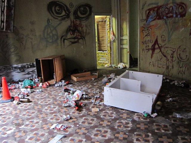 Una De Las Habitaciones 'Okupadas' En Balmes 51, Barcelona